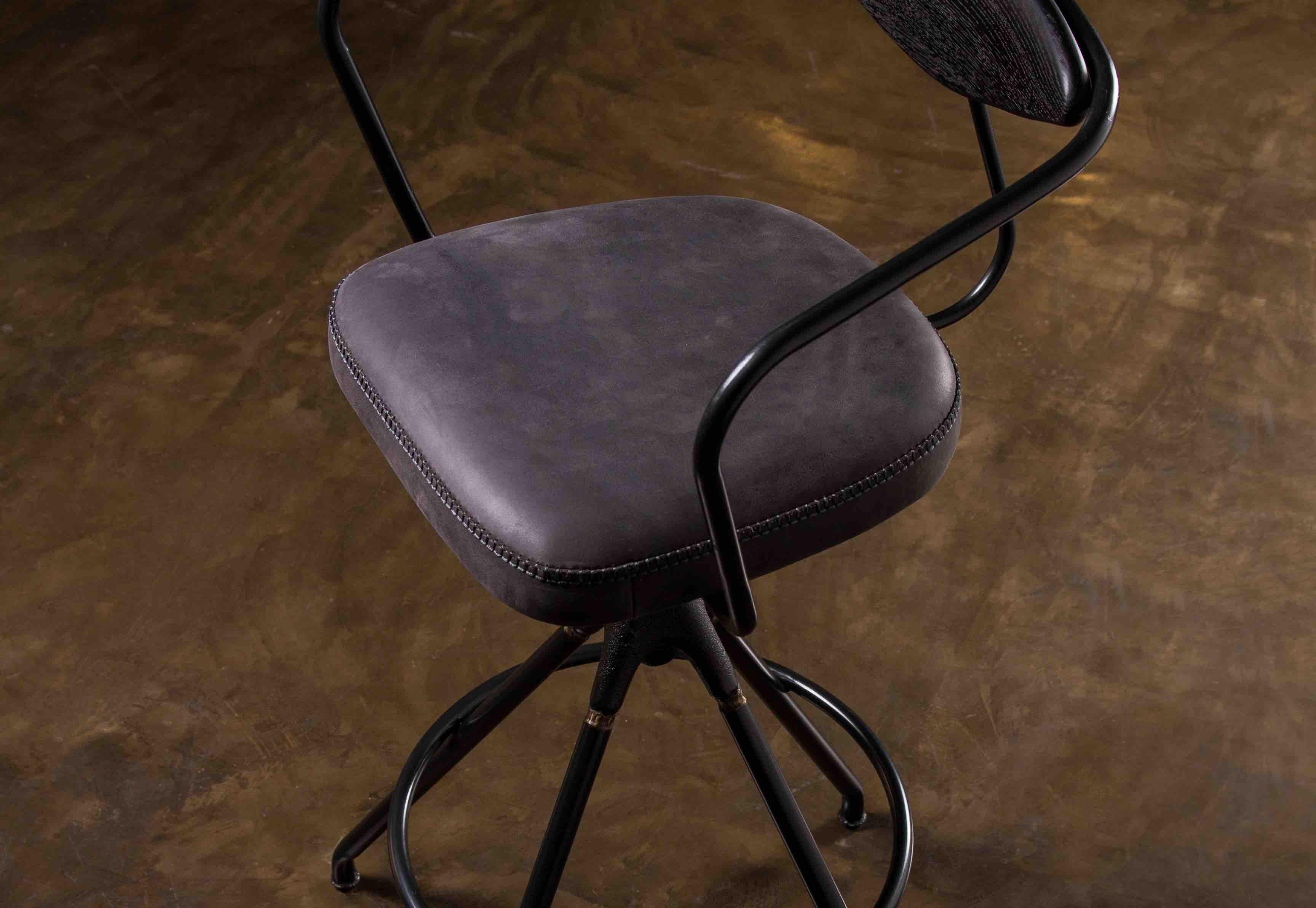 AKRON BAR STOOL WITH BACKREST & WOODEN SEAT