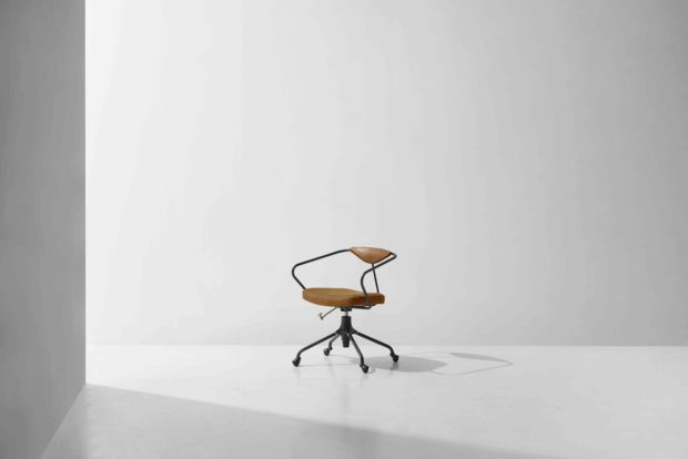 Akron desk chair umber leather