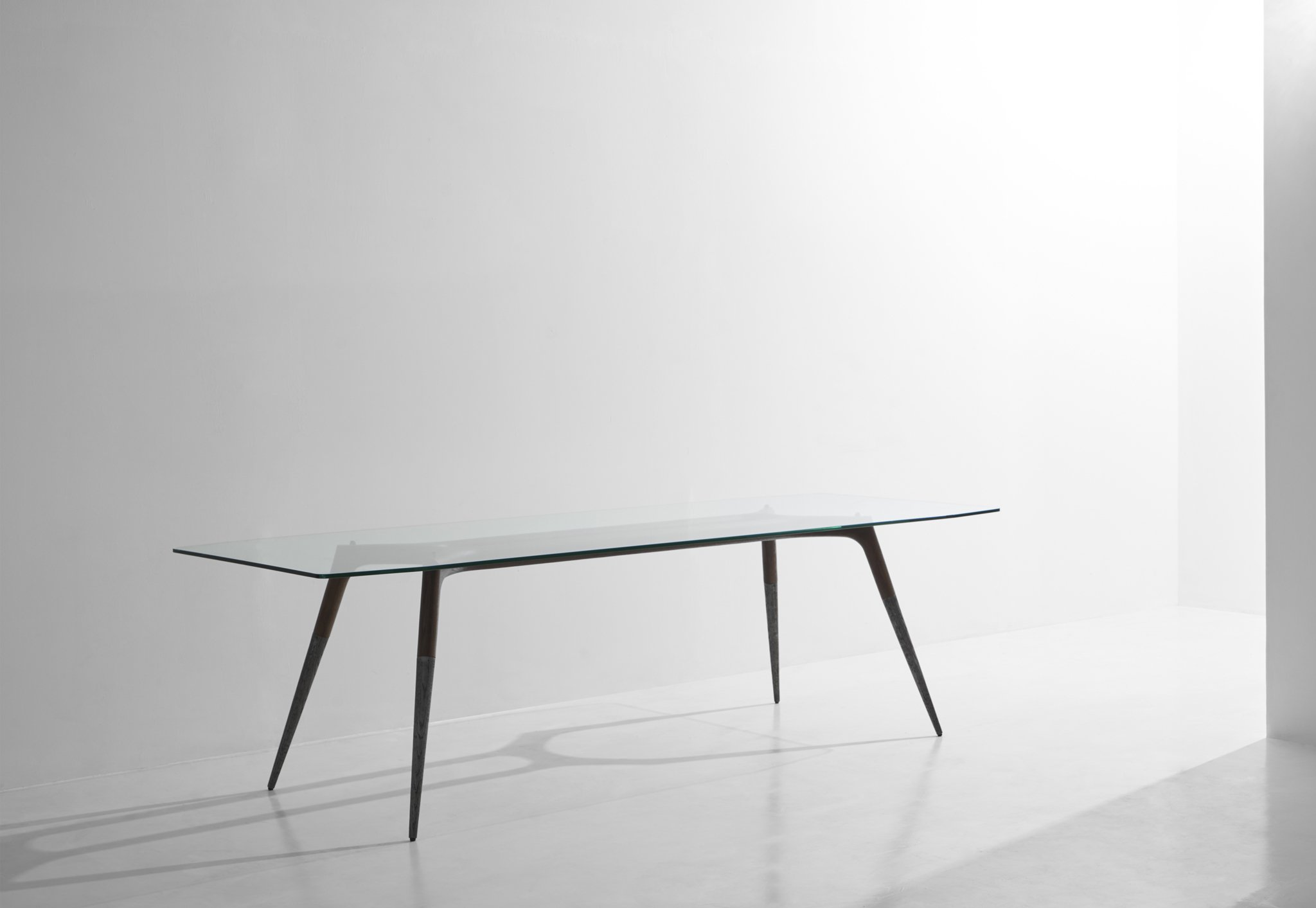 Assembly_Table_Smoked_1
