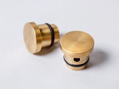 STACKING BENCH BRASS CAPS