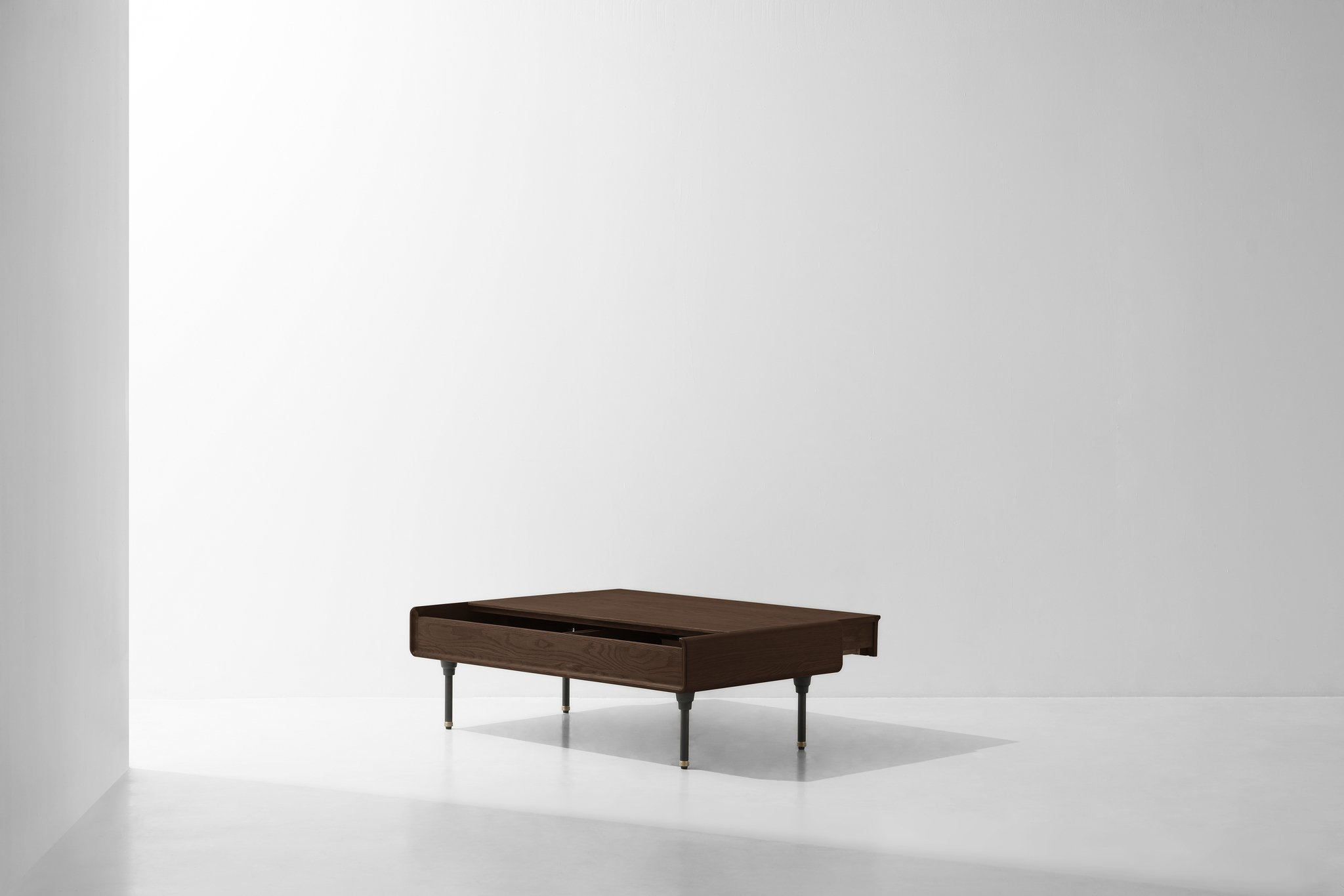 Distrikt_Coffee_Table_Smoked_2