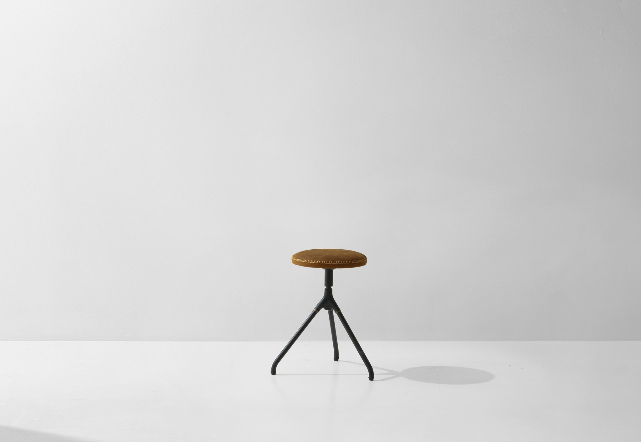 Dunke Design Akron_Low_Stool_Umber