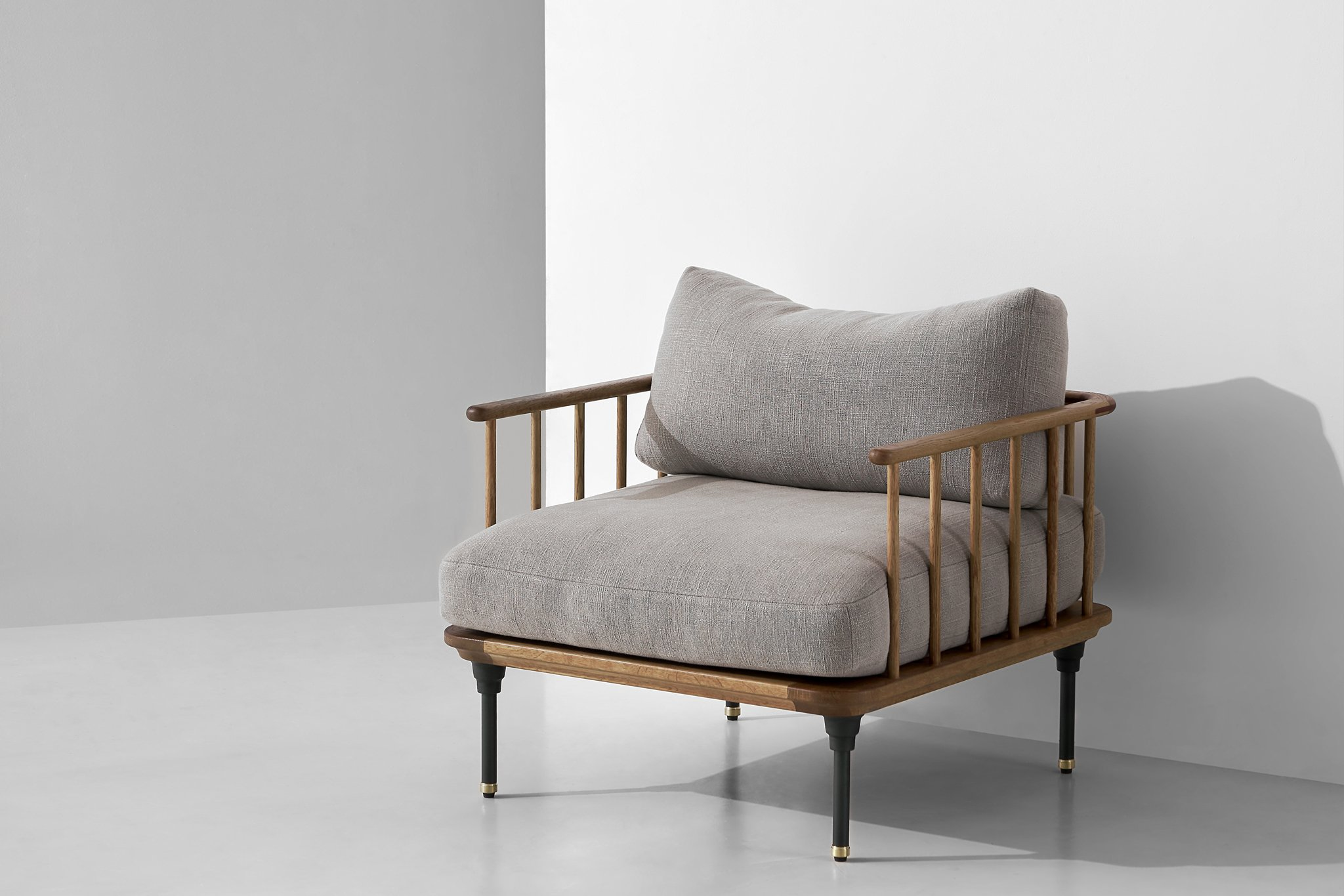 Dunke Design D8 armchair hard fumed nehru 1