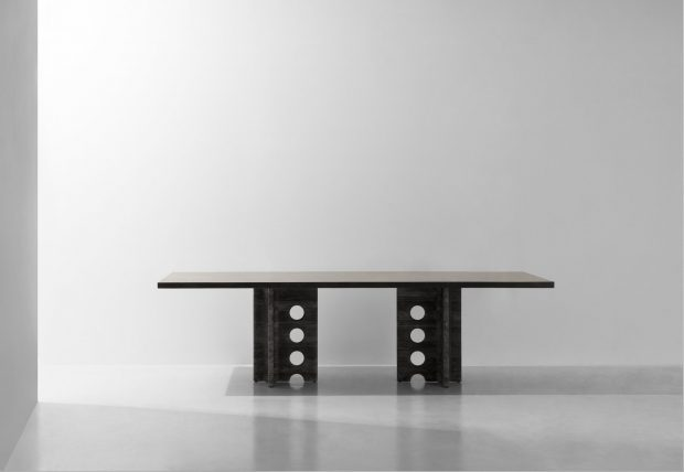 Foundry table T black marble