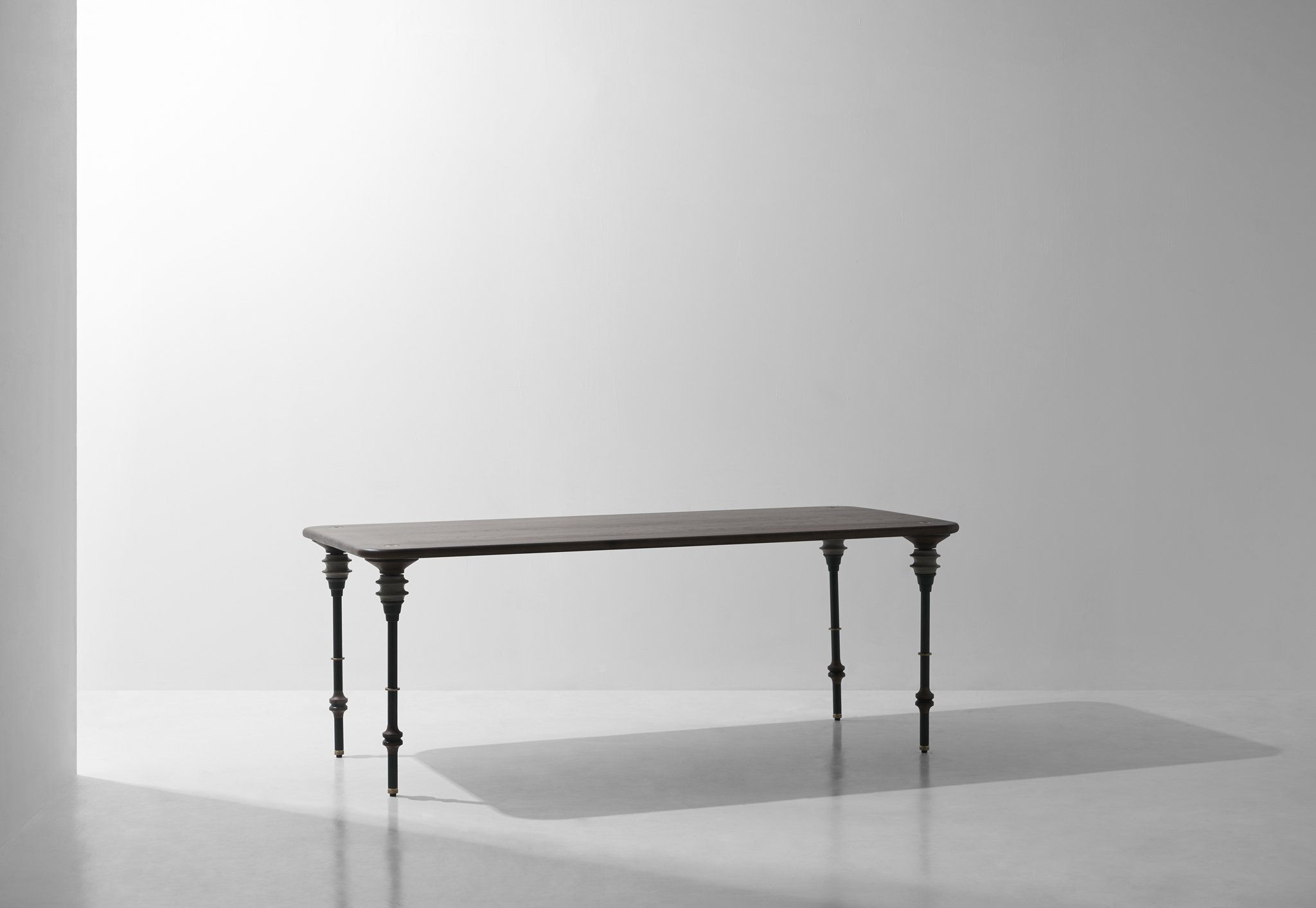 Kimbell_Dining table_1