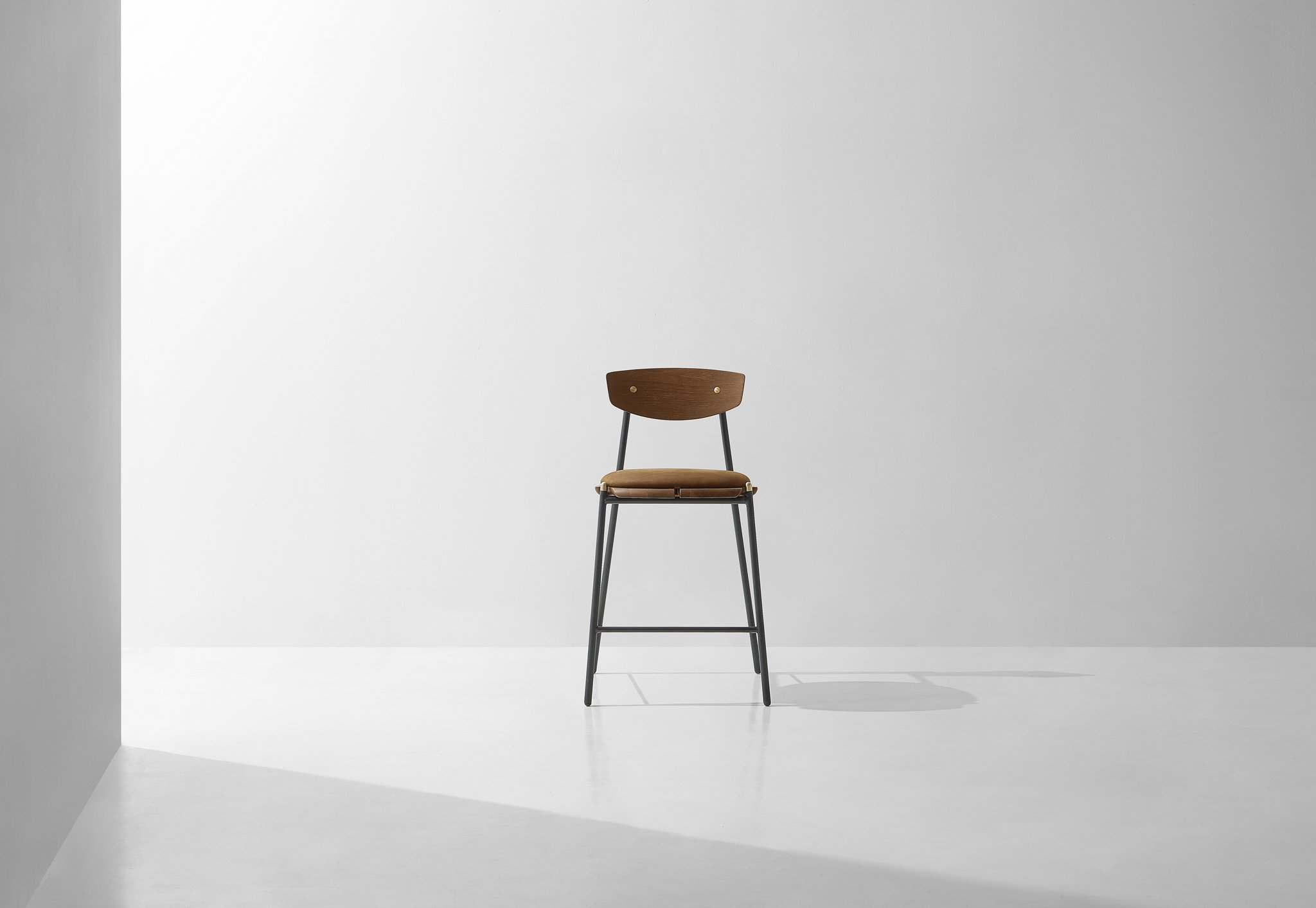 Kink_Counter_Stool_Umber_HardFumed_2