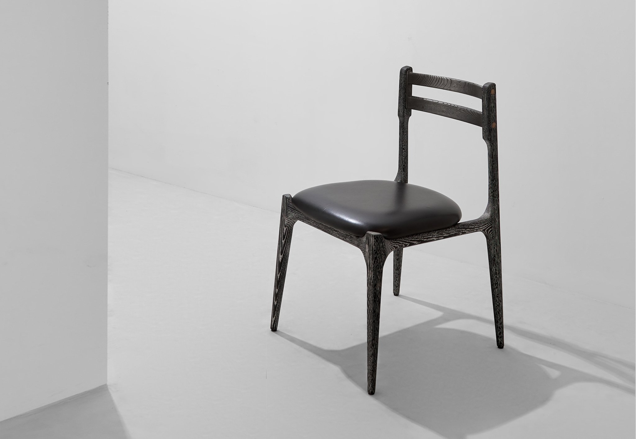 Assembly_Dining_Chair_CerusedOak_InkBlack_1a