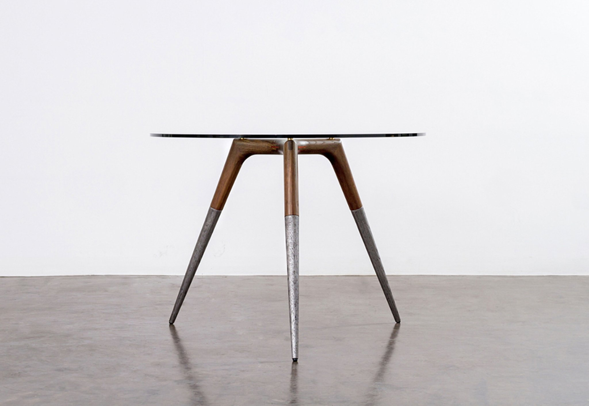 Assembly_bistro_table