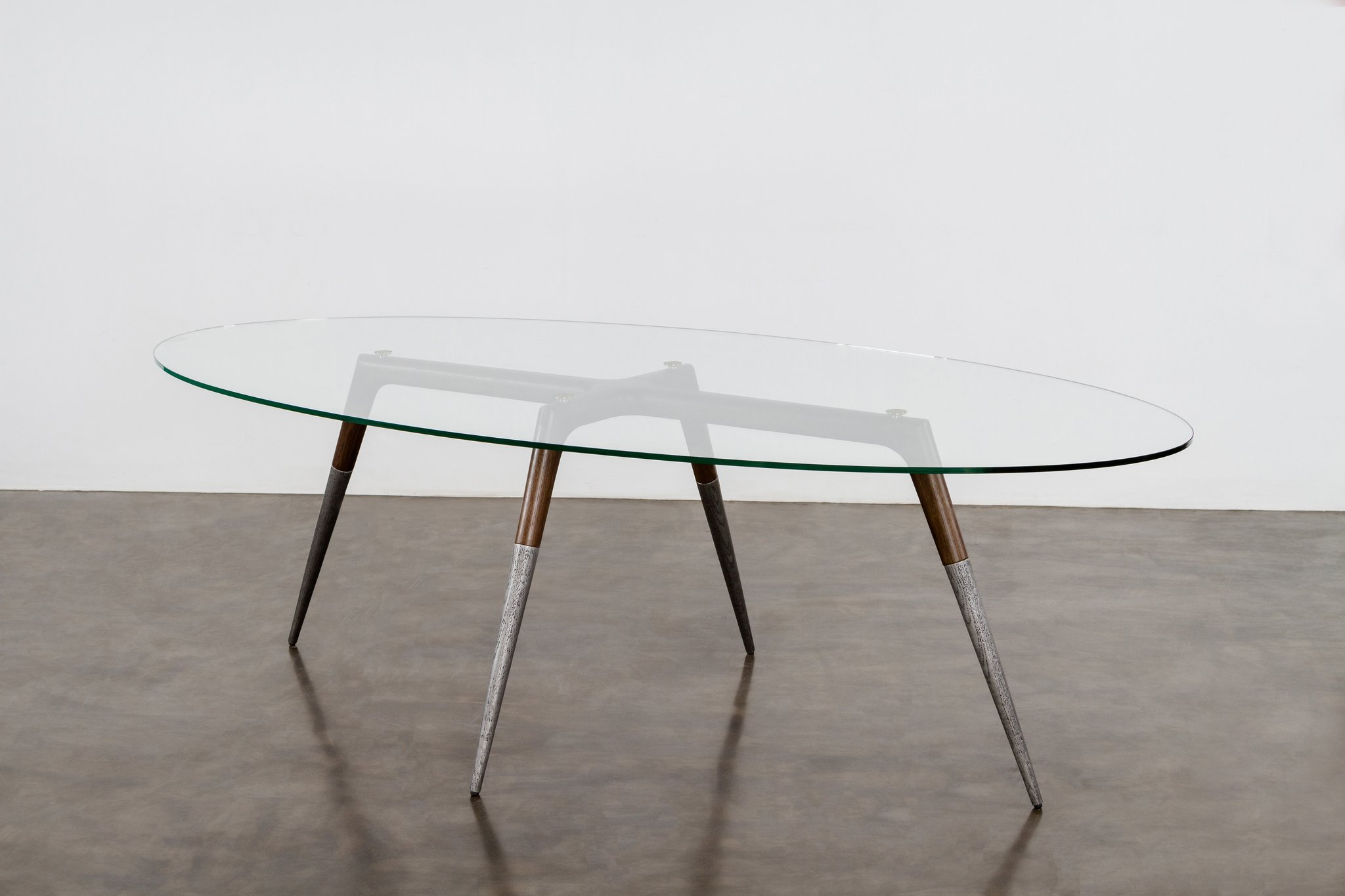 Assembly_oval_table_smoked 1