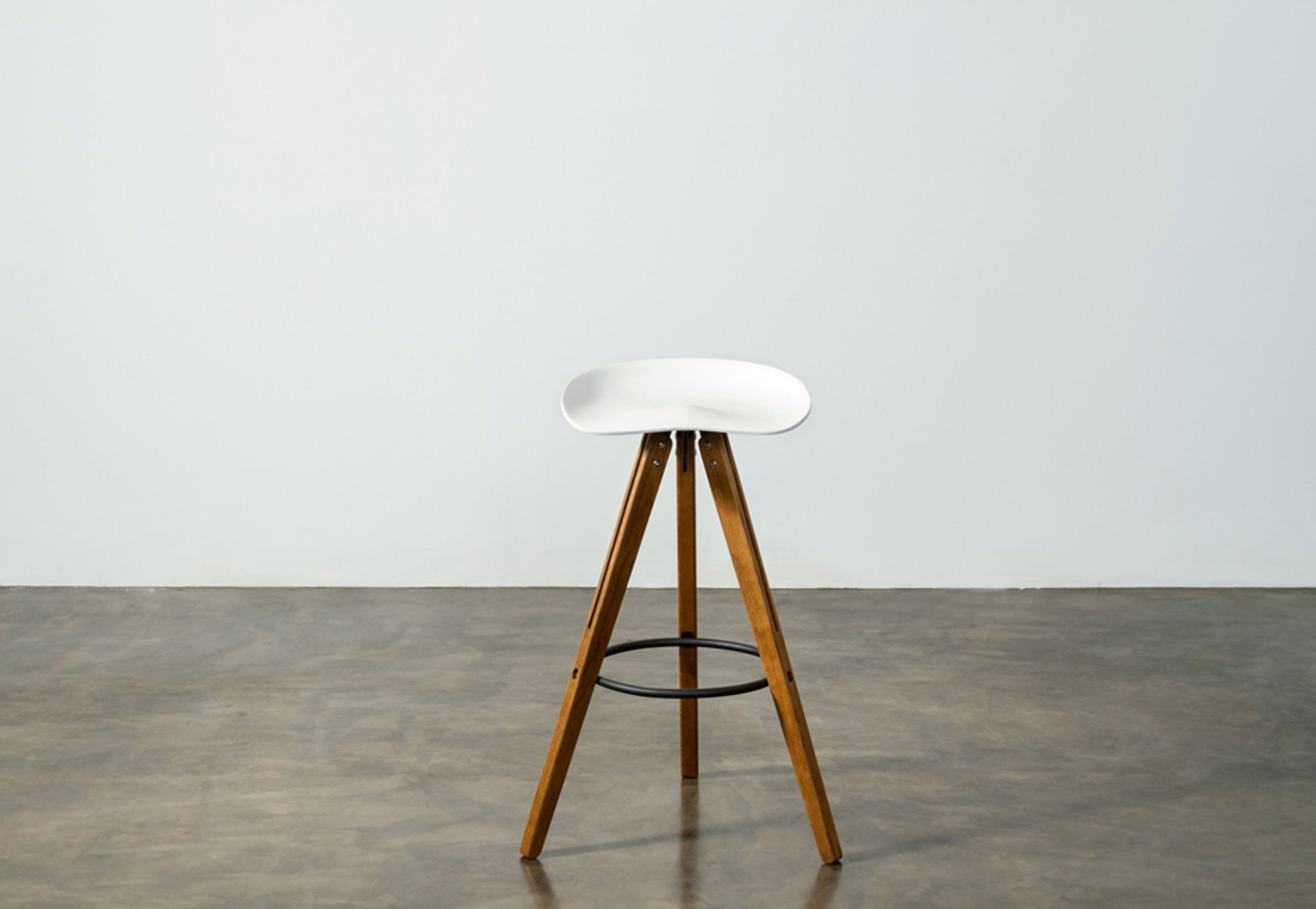 Theo_Tractor_Bar_Stool hard fumed