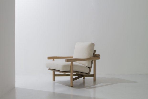 Stilt armchair raw oak