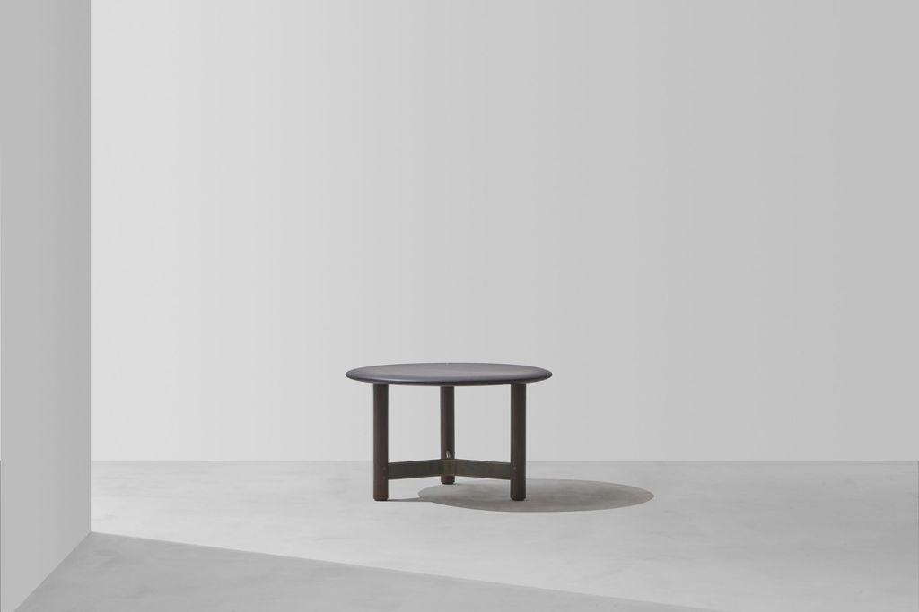 Dunke Design Stilt round ebonized